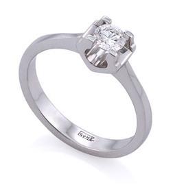 Помолвочное кольцо из белого золота750° с 1 сертифицированным бриллиантом 0,50 карат (сертификат GIA2146279925 0,50F/VS1), артикул R-ЯК045