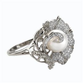 Кольцо из серебра 925° с жемчугом и фианитами, артикул R-72090с
