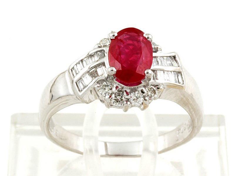 золотые кольца с рубином каталог