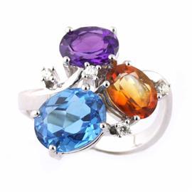 Кольцо с 1 аметистом, 1 топазом, 1 цитрином общим весом 6,26 ct и 4 бриллиантами 0,10 ct  4/5 из белого золота 750°, артикул R-Y271833