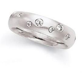 Обручальное кольцо из золота 585 пробы с бриллиантами, артикул R-6000