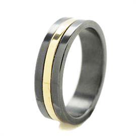Обручальное кольцо из титана со вставкой из золота, артикул R-Т8030