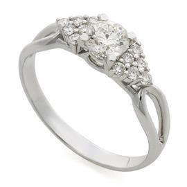 Кольцо с 13 бриллиантами 0,74 ct (центр 1 бриллиант 0,52 ct 4/6, боковые 12 бриллиантов 0,22 ct 3/3) из белого золота 750°, артикул R-R19009