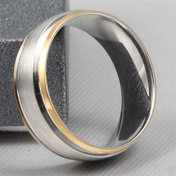 Обручальное кольцо дизайнерское из желтого и белого золота, ширина 8 мм, комфортная посадка