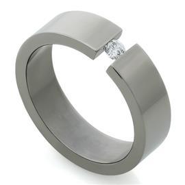 Обручальное кольцо из титана с 1 бриллиантом, артикул R-Т409