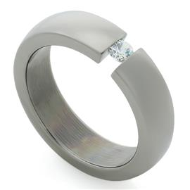 Обручальное кольцо из титана с 1 бриллиантом, артикул R-Т407