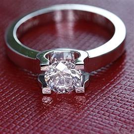 Помолвочное кольцо с 1 бриллиантом 0,32 карат белое золото 585°, артикул R-LK007-2