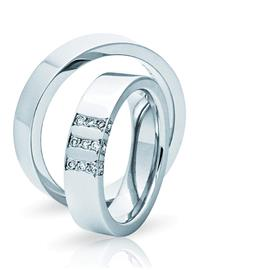 Обручальные кольца парные с бриллиантами из золота 585 пробы, артикул R-ТС 3243