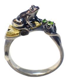 Кольцо Лягушка в лесу серебро, артикул R-133106